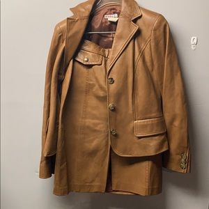 2pc Micheal kors leather suit size: 8